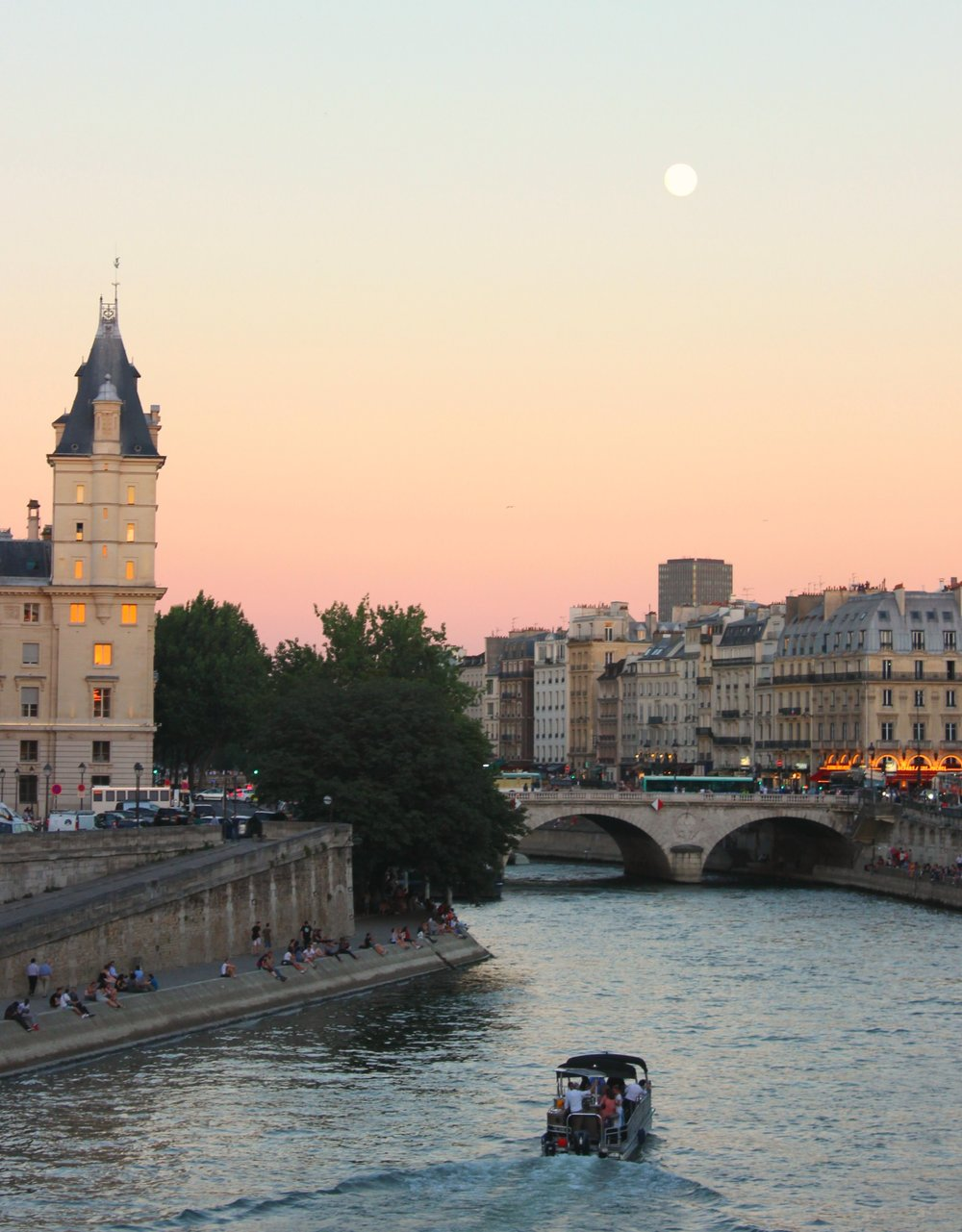 Seine in the moonlight.jpg
