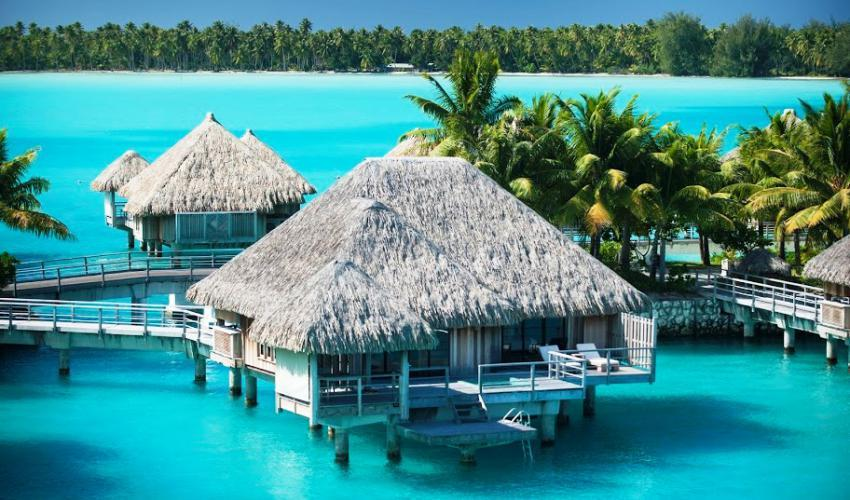 St_Regis_Bora_Bora_Resort_08.jpg