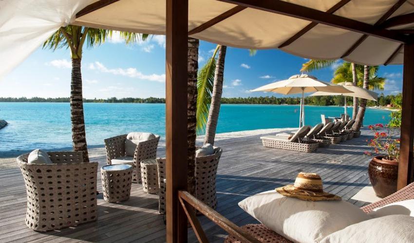 St_Regis_Bora_Bora_Resort_11.jpg