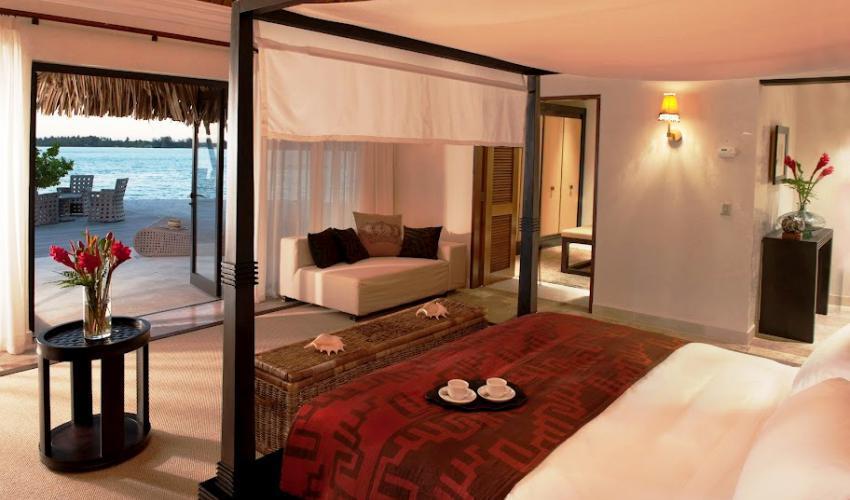 St_Regis_Bora_Bora_Resort_12.jpg