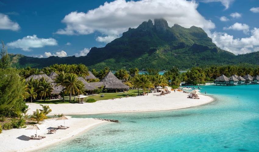 St_Regis_Bora_Bora_Resort_19.jpg