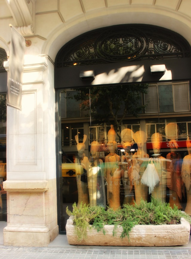 Azul Tierra Barcelona Front entrance on Stylemindchic Lifestyle