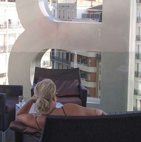 Heather-Orr-Lindstrom-in-Barcelona.jpg
