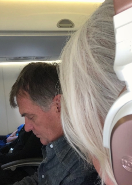 Noise cancelling Headphones - My must have for long haul flights