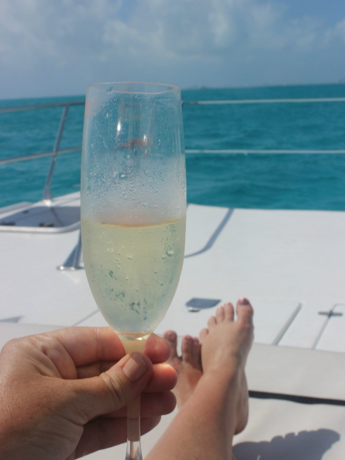 champagne-on-the-yacht-2.jpg