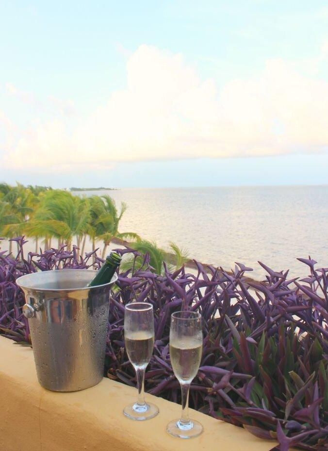 zoetry-champagne-balcony-stylemindchiclife