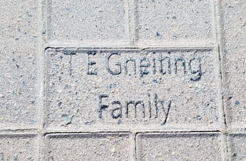 A brick personalized by the Gneiting Family.