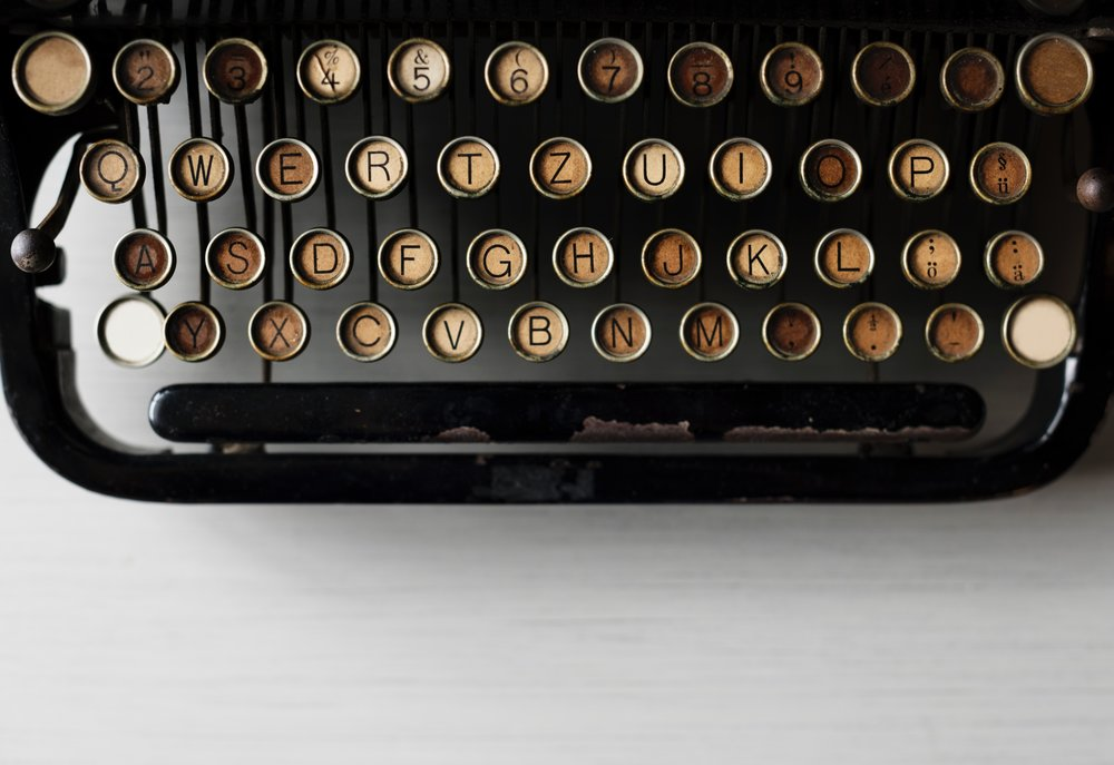 Black and gold typewriter