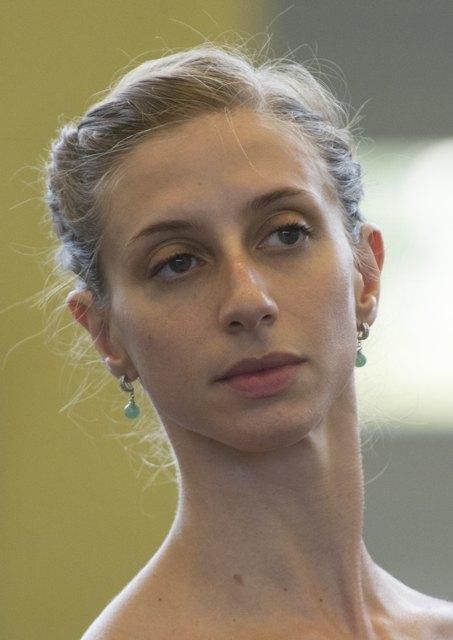 Jagodnik, Elinor  Bailarina (Francia)
