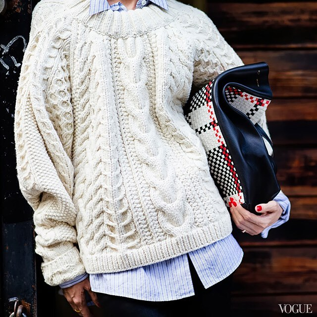 It's officially sweater weather! And my current obsession is CREAM…which is why is was so fun doing my latest selection for MU PICKS. Check out my favorite cream sweaters for @motheruntitled through the link in bio 👆🏼. 📷: @voguemagazine . . . . #lystyles #vogue #motheruntitled #sweaterweather #personalstyling #fallfashion #cream