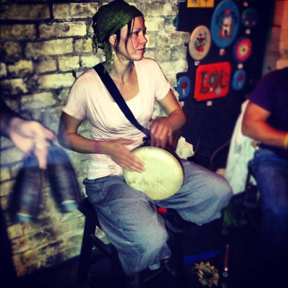drummer girl .jpg
