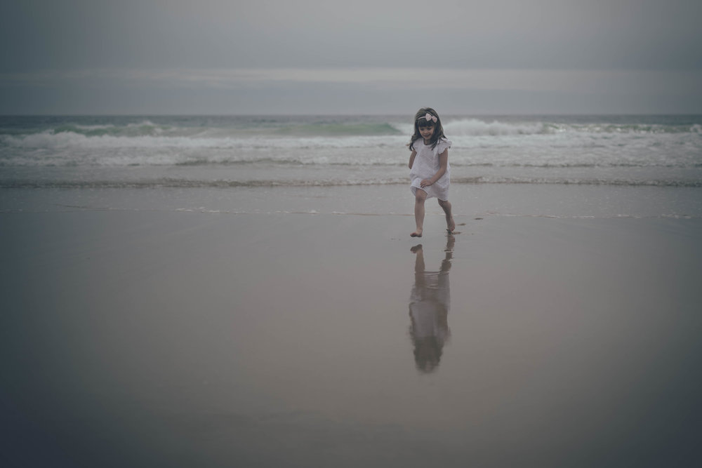 a_girl_at_the_beach_photographer_newport_ri
