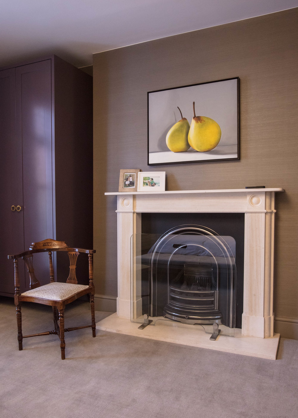 17 Park Walk - MBR Fireplace.jpg