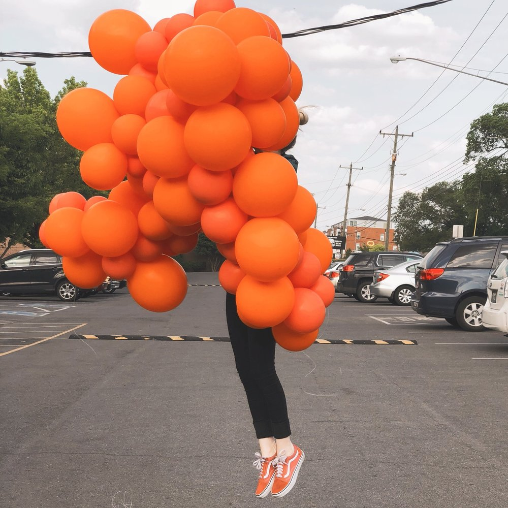 vroom_vroom_balloon_indoor_organic_garland_pink_orange.JPG