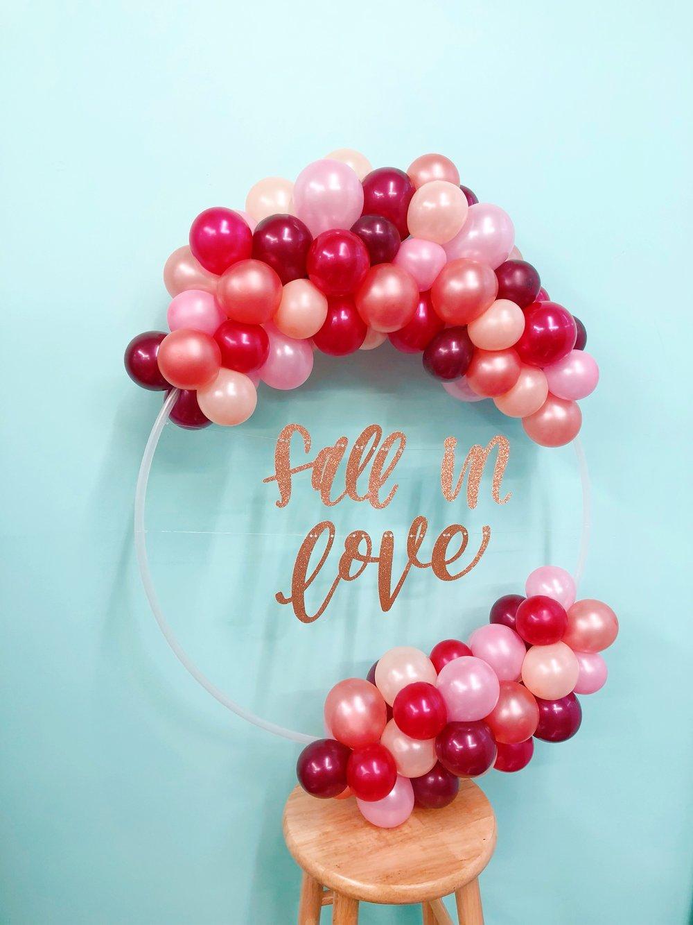 vroom_vroom_balloon_wreath_fall_in_love_wedding_pink.JPG