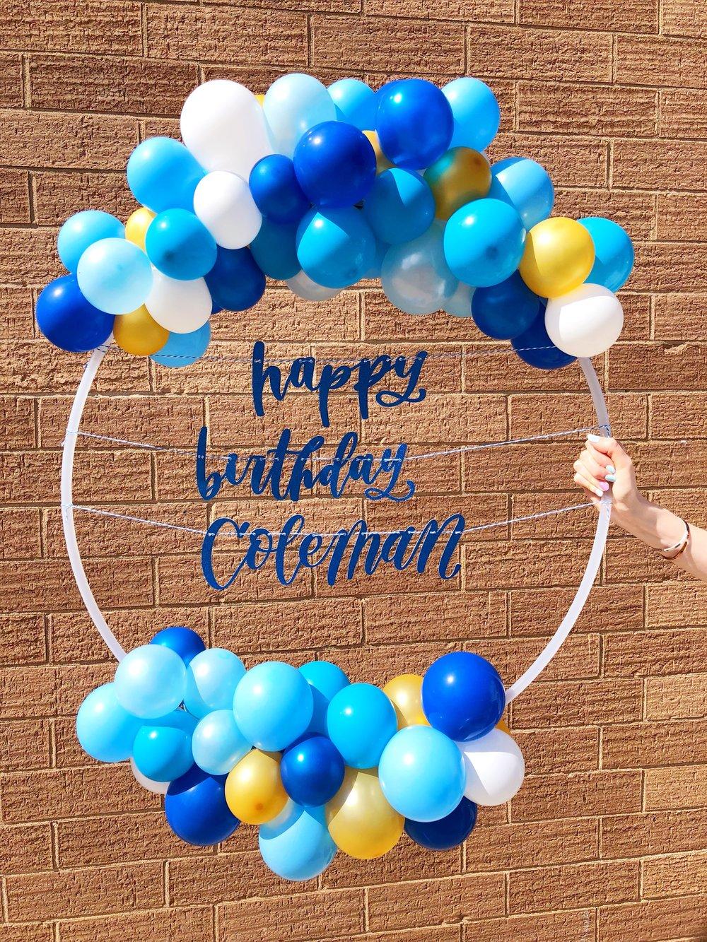 vroom_vroom_balloon_wreath_happy_birthday_blue_gold.JPG