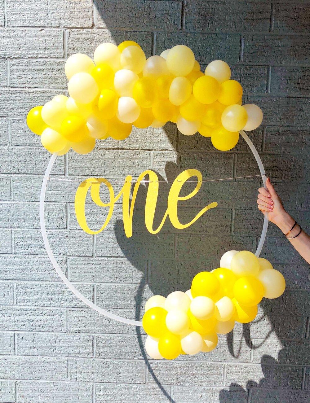 vroom_vroom_balloon_wreath_lemon_one.JPG