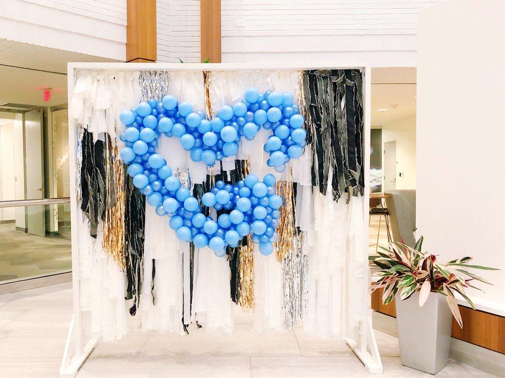 vroom_vroom_balloon_organic_balloon_garlan_installation_nashville_heart.JPG