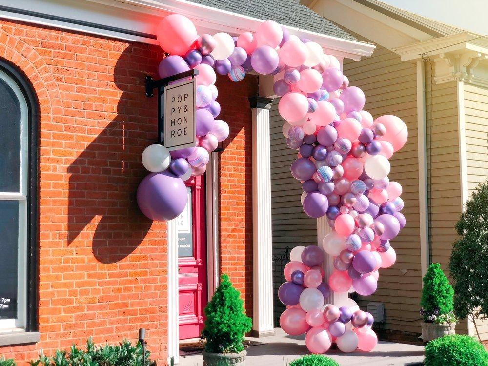 Poppy_monoe_vroom_vroom_balloon_organic_balloon_installation.JPG