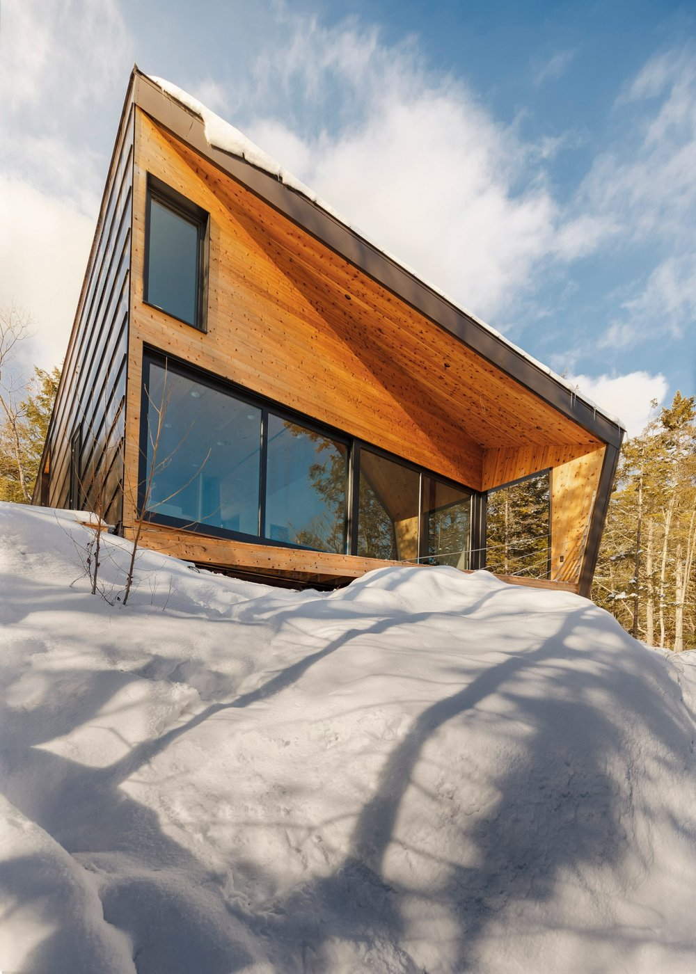 cabin-on-a-rock-i-kanda-architects-architecture-new-hampshire-usa_dezeen_2364_col_14-1704x2385.jpg