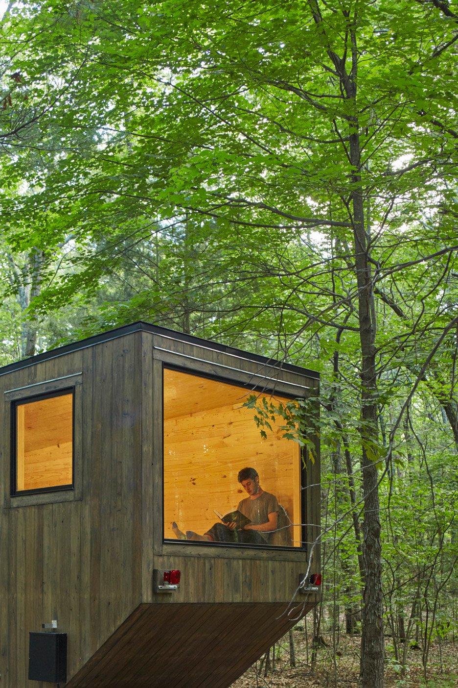 getaway-cabin-maisie-photo-roderick-aichinger_dezeen_936_3.jpg