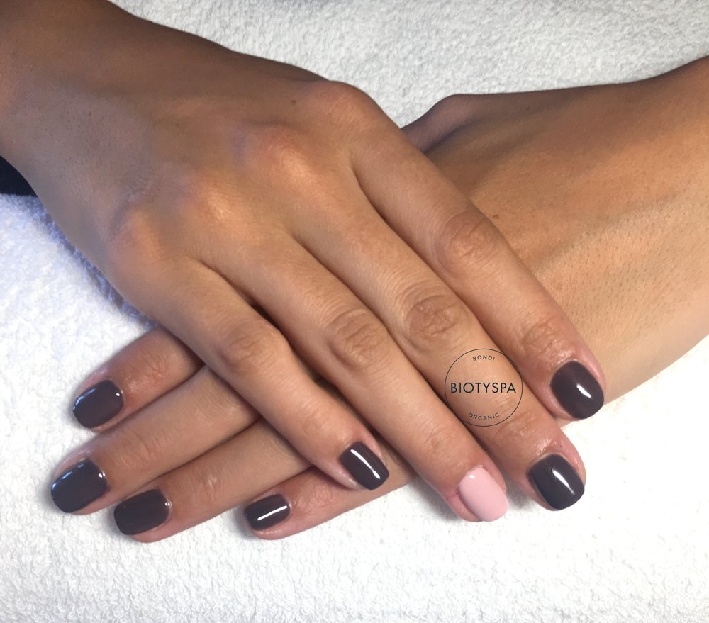 Gel-Bio-sculpture-Biotyspa-dark.JPG