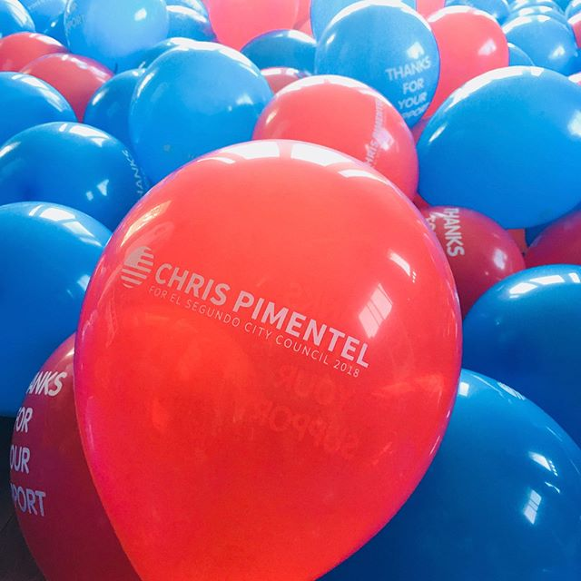 Spreading a little election cheer! Please vote on Tuesday and join us in the evening at @smokyhollowstudios to watch the results come in. If you didn't get a balloon yet, please let us know. Thanks to all the volunteers for your help today!