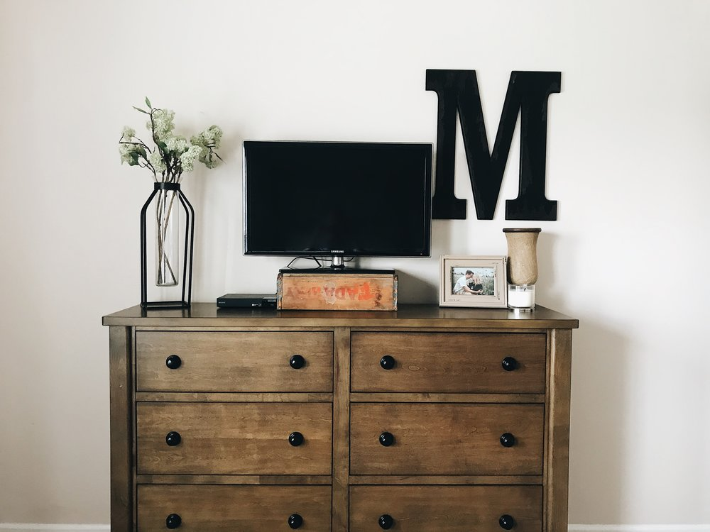 when it comes to decorating a dresser I like to keep it simple. I couldn't find what I already had but linked similar finds!