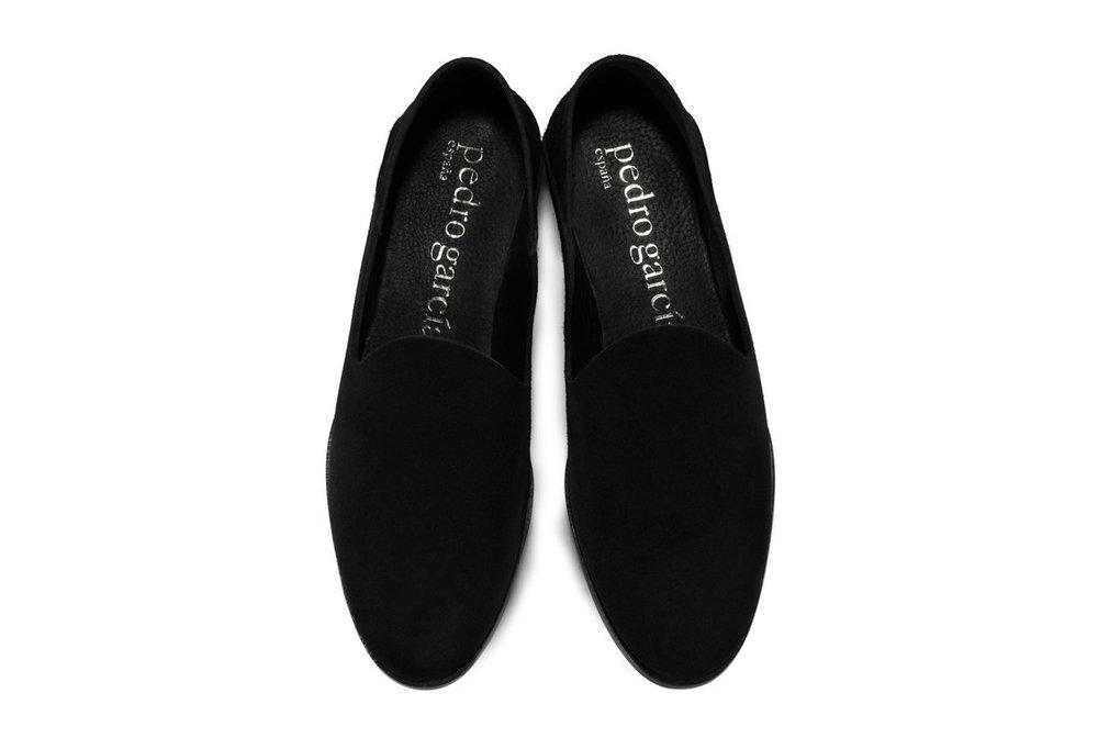 pedro-garcia-slipper-black-black-suede-yoshi-overhead-v17_1.jpg