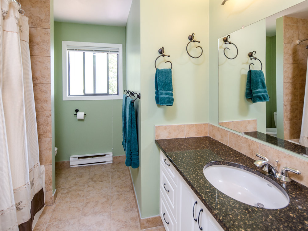 tasco-bathroom-mls-1.jpg