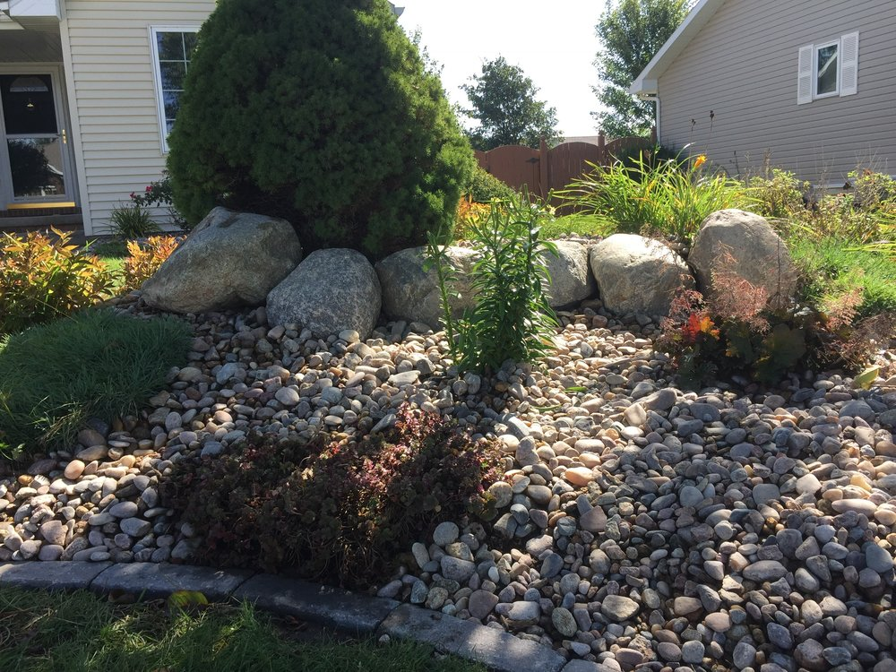 Landscapes - We use the very best materials to design a practical, yet creative landscape for your home or business. Wether you're going for utility, beauty, or some of both, we've got the right eye, products, and tools for the job.