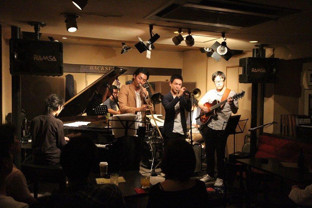 JAZZ Challengersの前身となるバンドでのライブ(福岡Backstage)