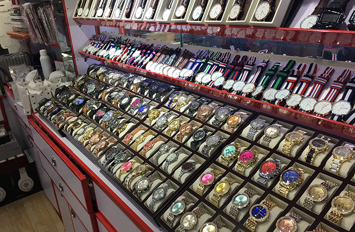 Watches at a fake market in Shanghai (Image source:   That's Shanghai  )