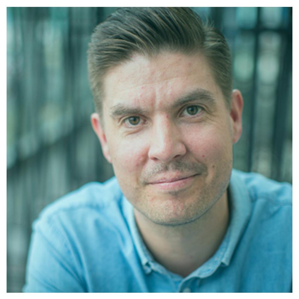 Johannes Saukko    Suplan isähahmo ja Nelonen Media radioiden sisältöjohtaja, joka haluaa jengin kuuntelevan enemmän ja parempia sisältöjä.
