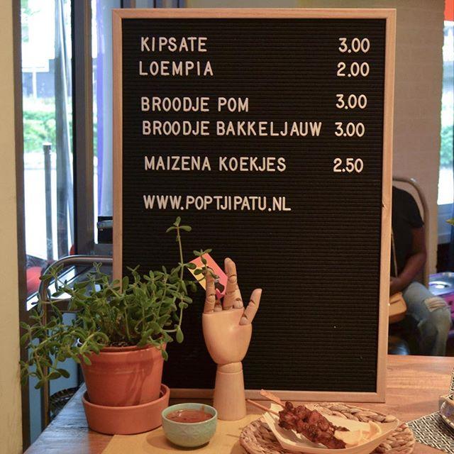 We staan vandaag in @theaterzuidplein! Voor de voorstelling Beneatha's Place van @wellmadeprod. We verkopen heerlijke snacks & broodjes. And we are loving it! #surinaams #surinaamseten #recepten #beneathasplace #theaterzuidplein #food #lekkereten #koken #theater