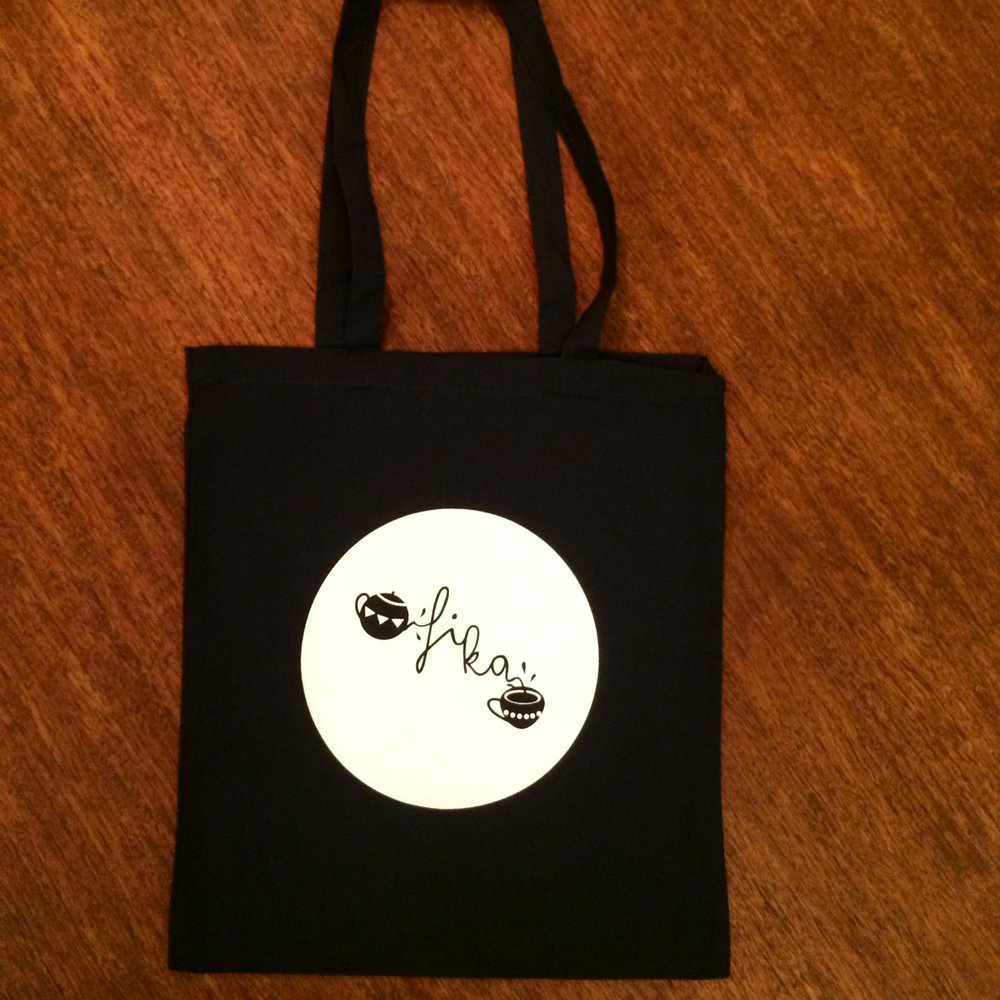 Black-tote-photo.jpg