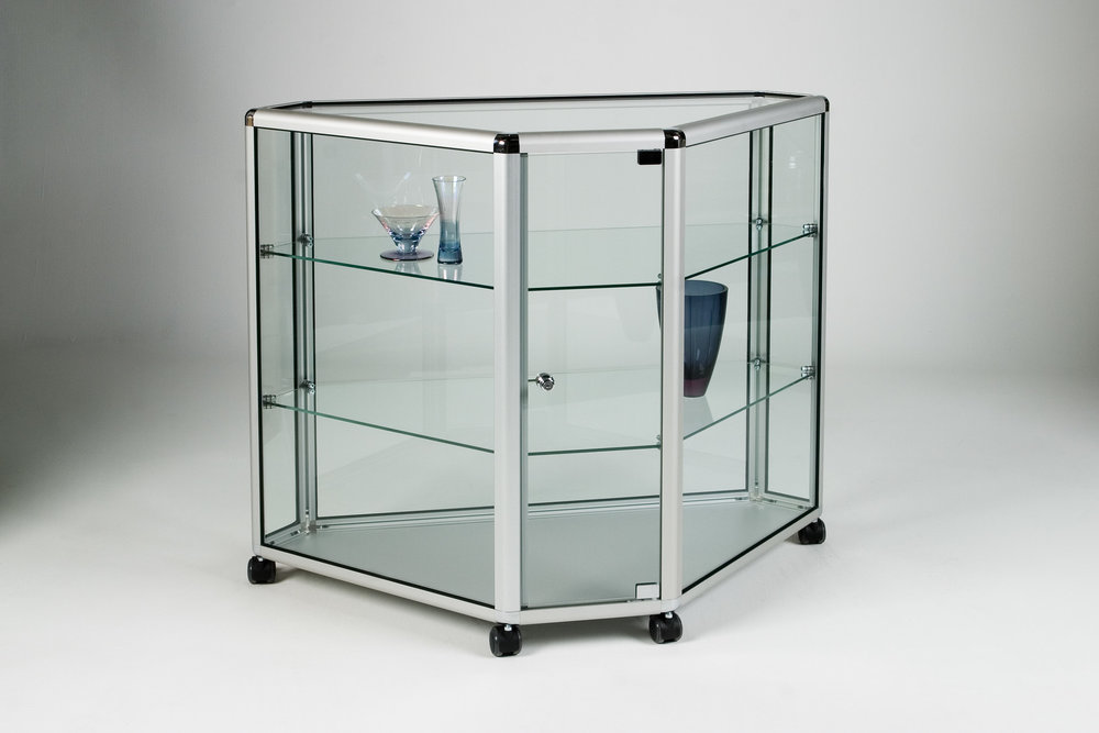 01_Corner Counter Glass.jpg