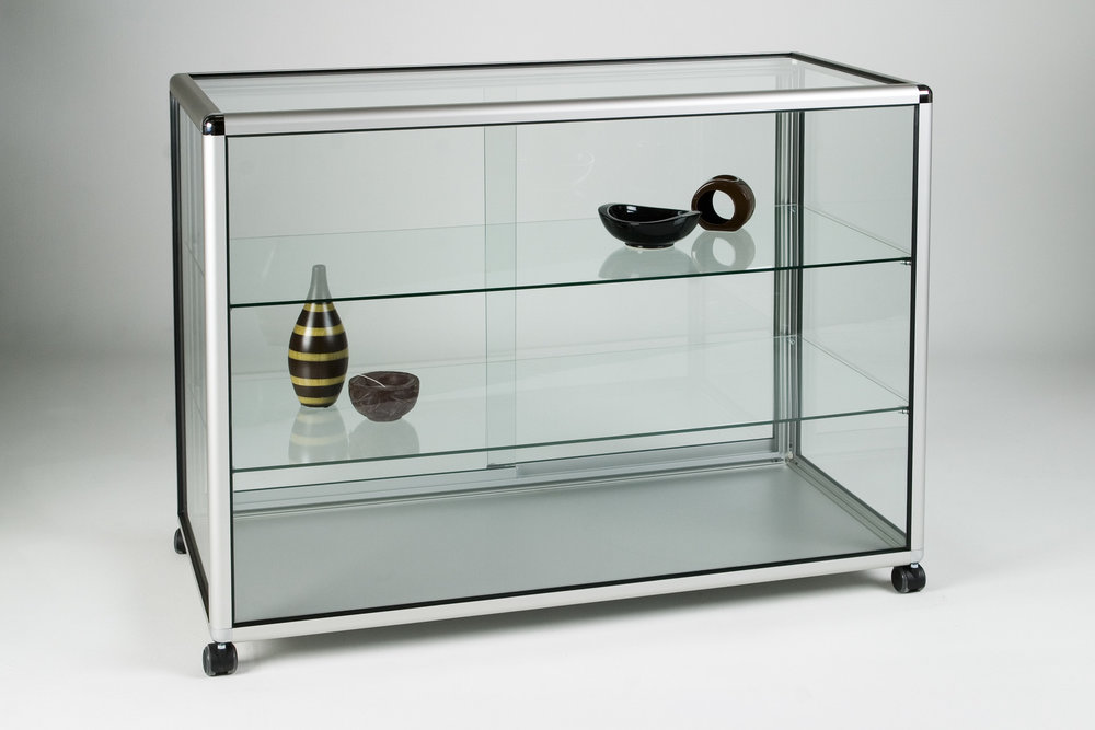 08_Straight Display Counter glass.jpg