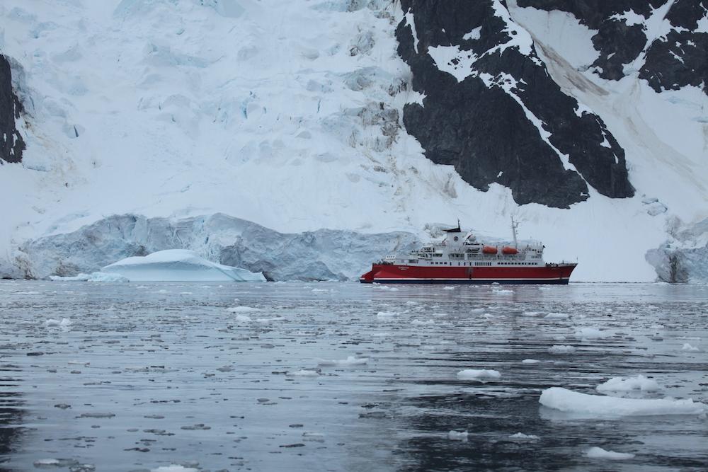 M/S Expedition at Pléneau Bay, Antarctica. Image:  Liam Quinn .