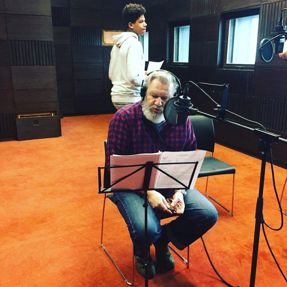 Opnames audioverhaal - Maandagnamiddag hebben we de stemmen opgenomen voor het audioverhaal. Wim Opbrouck, Iwein Segers, Martin De Jonghe en Steven De Waele waren de stemacteurs van dienst.