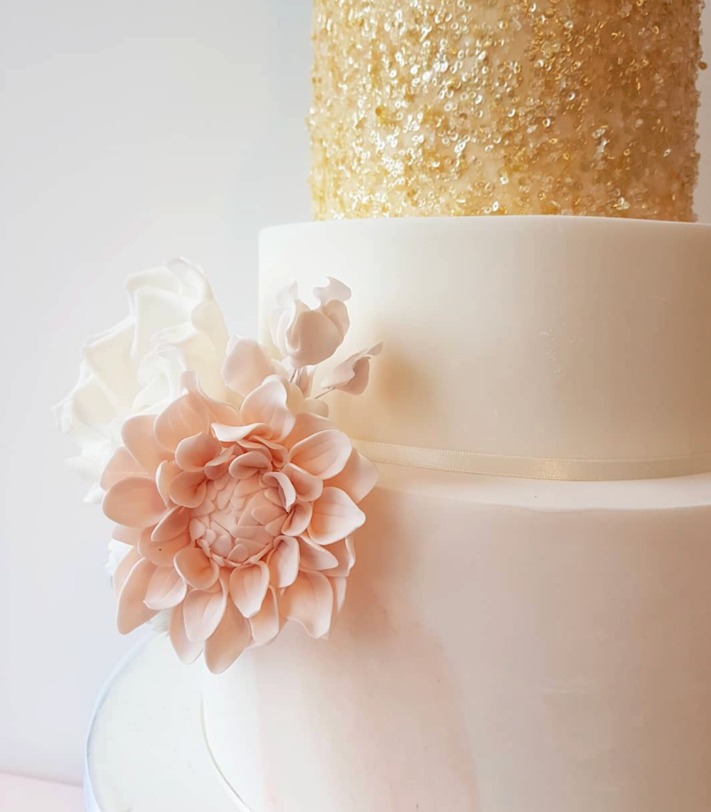 DOTTY ROSE CAKE DESIGN GOLD AND BLUSH WEDDING CAKE.png
