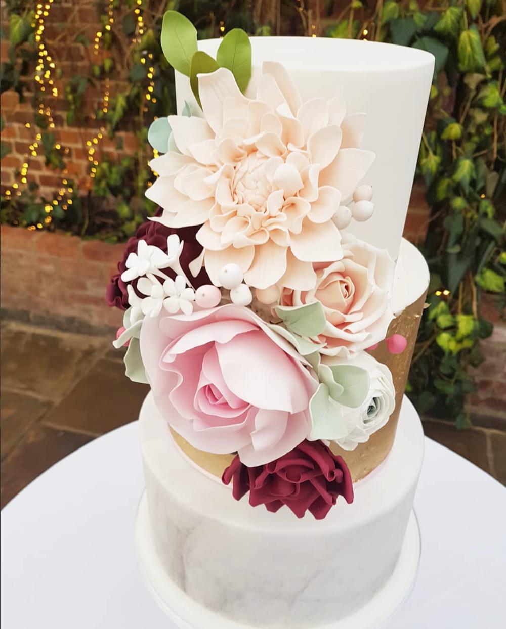 DOTTY ROSE CAKE DESIGN MARBLED WEDDING CAKE.png