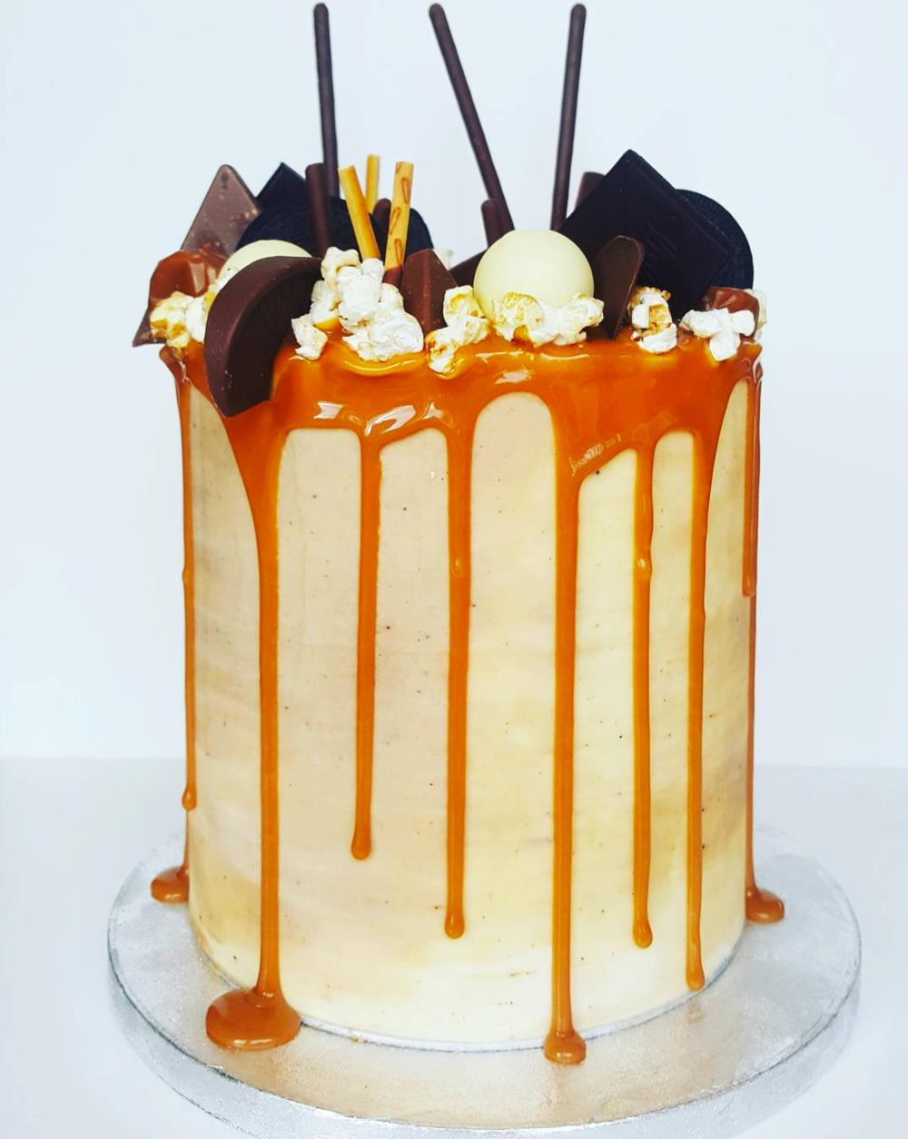 DOTTY ROSE CAKE DESIGN 4 CARAMEL CHOCOLATE BIRTHDAY CAKE.png