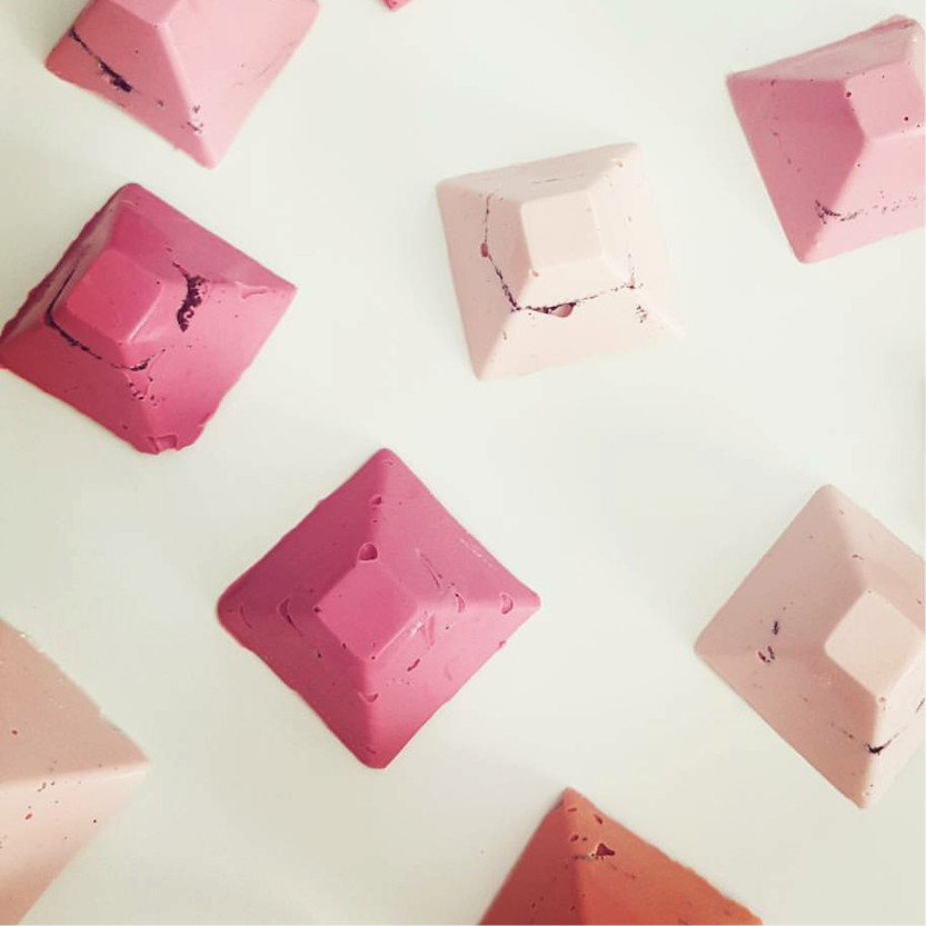 DOTTY ROSE PINK CHOCOLATE PYRAMIDS.png