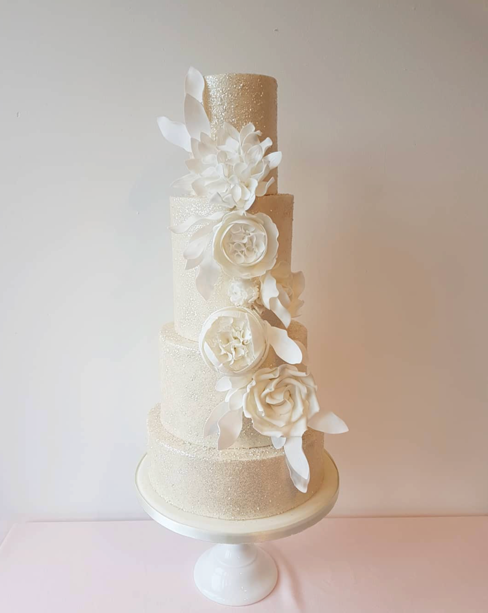 DOTTY ROSE CAKE DESIGN WHITE FLORAL WEDDING CAKE.png