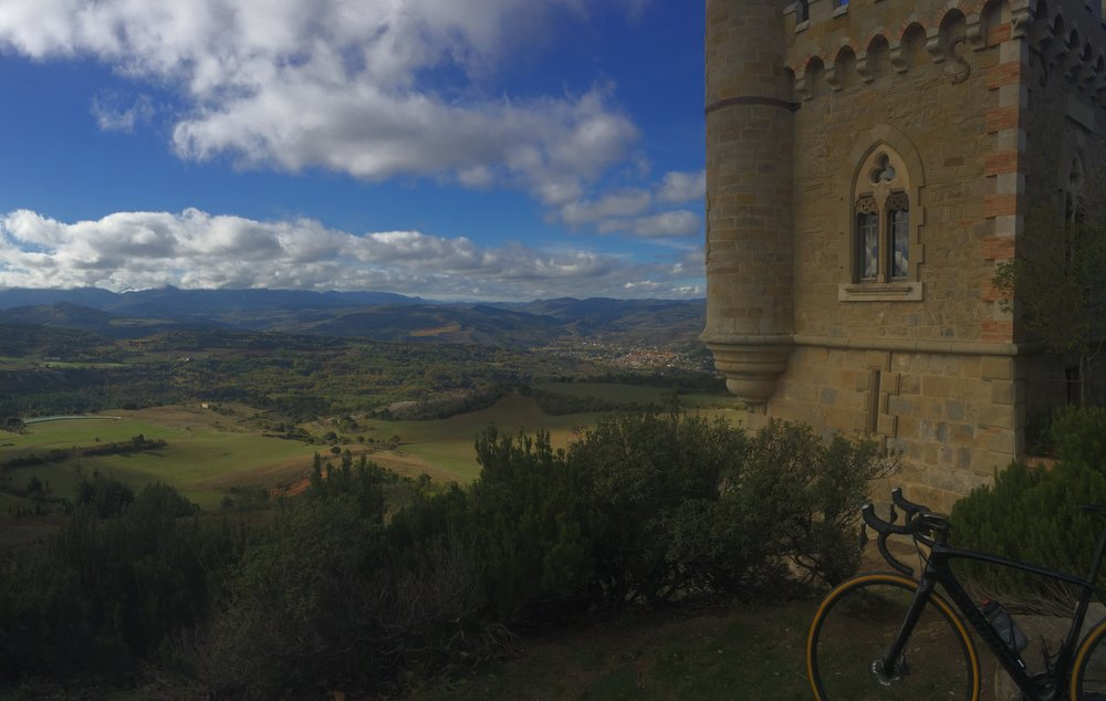 Spectacular views of the Aude valley.