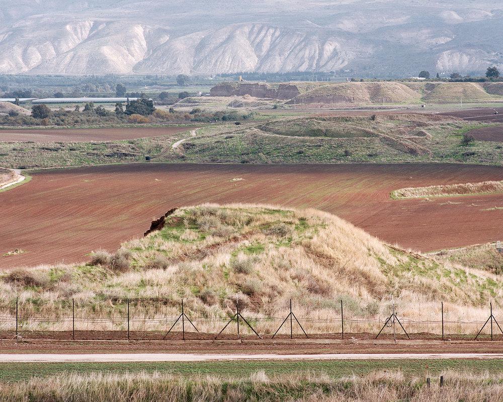09 Jordanian Border.jpg