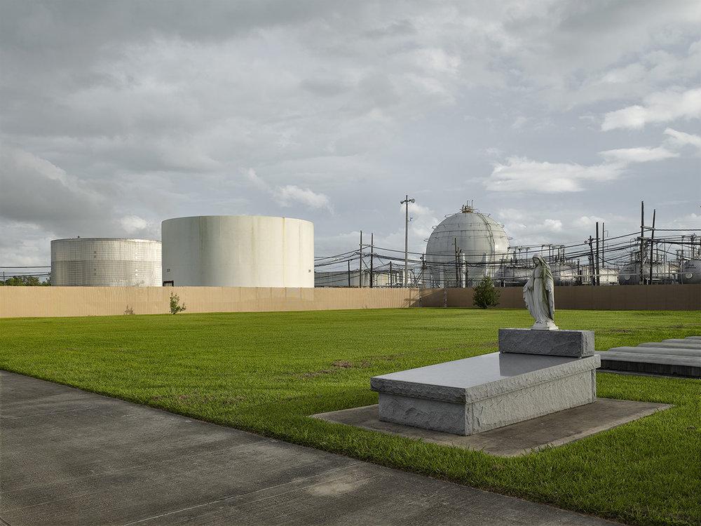 Refinery Cemetary, Louisiana.jpg