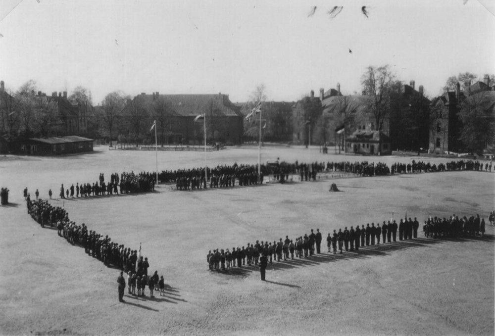 Lubeck DP camp Meesen Kazerne 1946