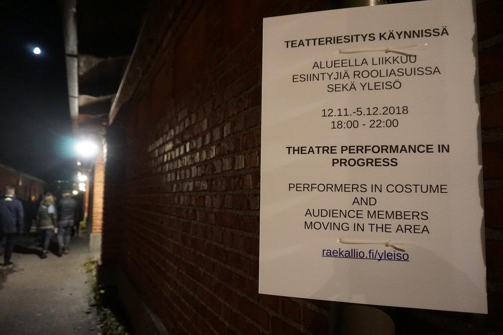 Yleisön tapahtumapaikka pidetään katsojilta salassa. Esiintyjinä: Annamari Keskinen, Eino Santanen, Minna Tervamäki, Eero Vesterinen, Lotta Lindroos ja Valtteri Raekallio.